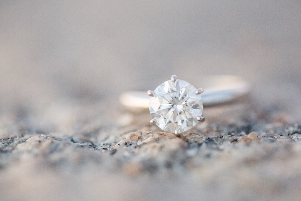 engagement-ring_t20_RwBBJw